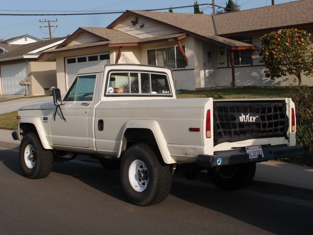 1983 Jeep J10 Roadside Rambler